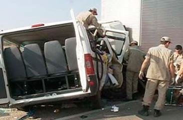 Segundo a Polícia Rodoviária Federal de Pernambuco (PRF/PE), o motorista do caminhão estava embriagado (V&C Artigos e Notícias/Divulgação)