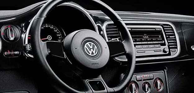 O luxo do interior é reforçado com acabamentos diferenciados no Black Turbo (Divulgação)