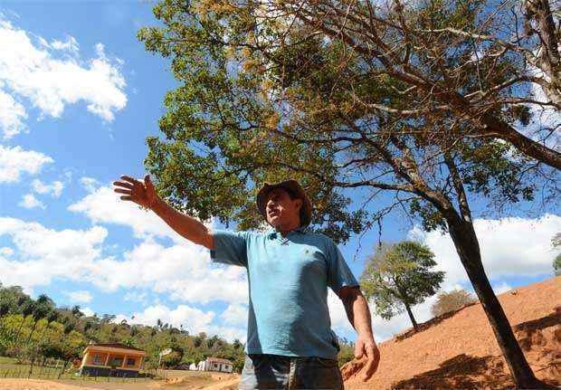 O produtor Argenor Siqueira, de Ravena. 'Alguns parentes e vizinhos que são amigos vão ter de ir embora'  ( Euler Junior/EM/D.A Press)