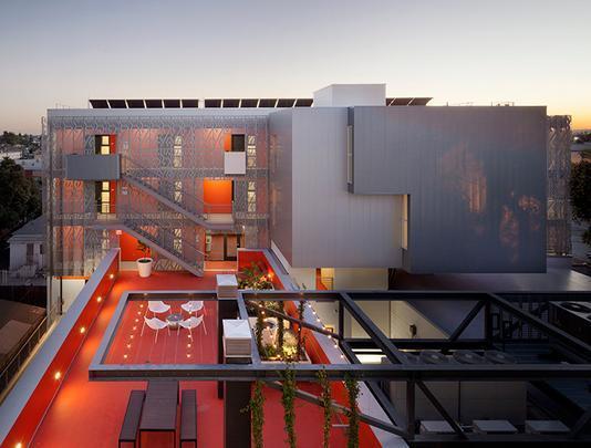 28th Street Apartments by Koning Eizenberg Architecture, Inc.- Prédio histórico foi reformado para abrigar quartos de uma instituição que atende sem tetos e imigrantes - Divulgação/AIA