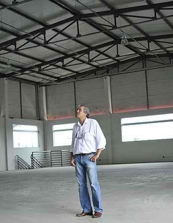 Elmer Mota, da Quintão Imóveis, aposta na boa localização do município para escoar os produtos  (Ramon Lisboa/EM/D.A Press)