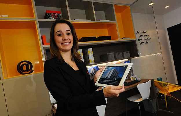 Patrícia Freitas, coordenadora de marketing do Grupo Somattos: tecnologia ajudou na velocidade de comercialização de um edifício  (Euler Júnior/EM/D.A Press)