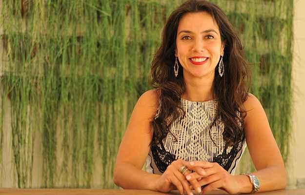 Daniela Magalhães, diretora da Céu-Lar Netimóveis, diz que muitas vezes a mulher é quem busca as chaves na imobiliária e faz a primeira visita (Ramon Lisboa/EM/D.A Press)