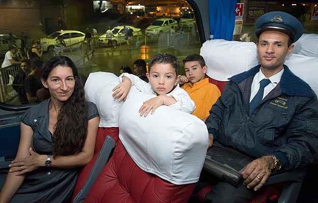 Anderson viajou caracterizado de motorista da Cometa, com direito à quepe (Thiago Ventura/EM/D.A Press)