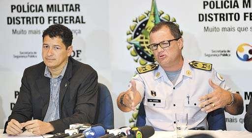 Jooziel ao lado de Sandro Avelar, secretário de Segurança Pública: polêmica pode minar candidatura de ambos no ano que vem (Gustavo Moreno/CB/D.A Press - 17/6/13)