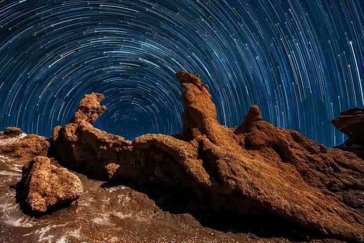 O movimento das estrelas foi cristalizado no Deserto de Atacama: quase uma pintura  Roteiros onde o céu é a estrela provam que vale a pena esperar pela noite 20170412132026162963a