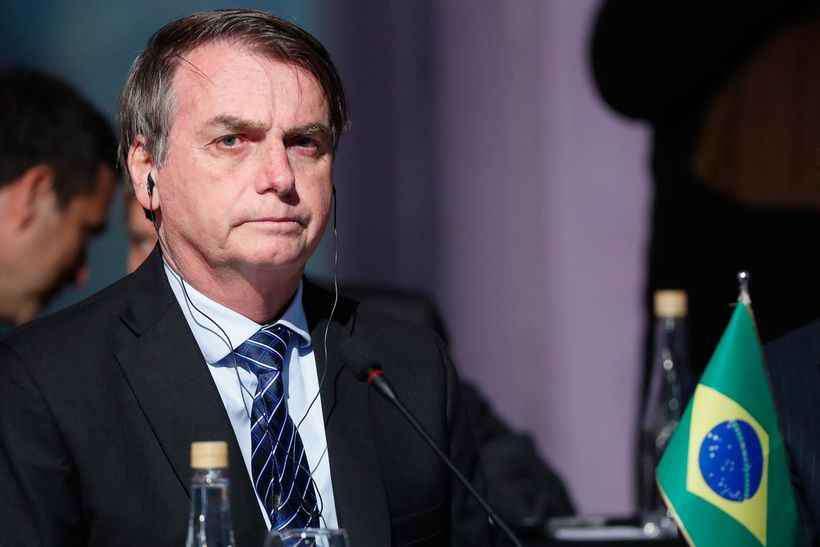 Bolsonaro sinaliza que pode voltar com horário de verão
