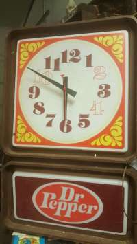 letgo - vintage light up dr pepper clock... in Ten Mile, TN