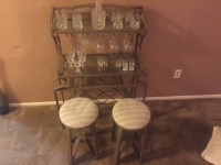 letgo - Mini bar with 2 stools in Yardley, PA