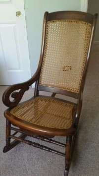 letgo - 100 year old rocking chair in Huntley, IL