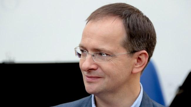 Путин назначил своими помощниками Орешкина и Мединского