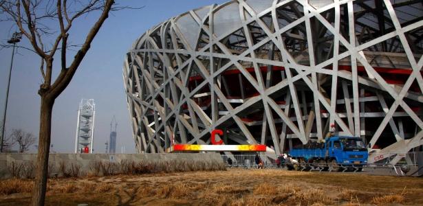 o-estadio-ninho-de-passaro-e-uma-das-poucas-estruturas-erguidas-para-os-jogos-de-pequim-2008-que-ainda-e-utilizada-mas-seu-uso-esportivo-e-minimo-e-ele-da-prejuizo-1333977366627_615x300.jpg