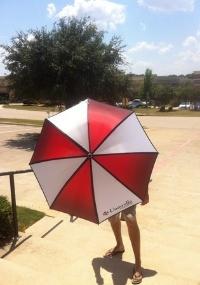 """Esse é o guarda-chuva que a Capcom oferece para quem reservar """"Resident Evil 6"""""""