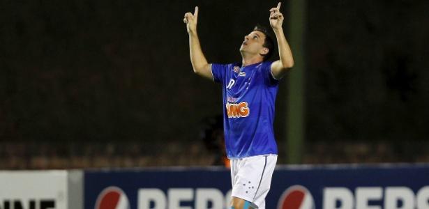 Por meia Montillo, Santos ofereceu cinco jogadores para tentar seduzir o Cruzeiro