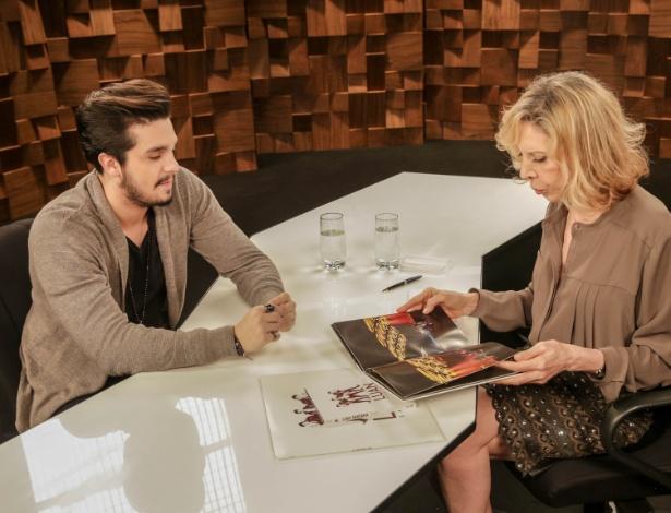 Luan Santana conversa com Marília Gabriela