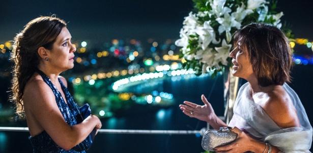 """Inês (Adriana Esteves) e Beatriz (Glória Pires) nos primeiros capítulos de """"Babilônia"""""""