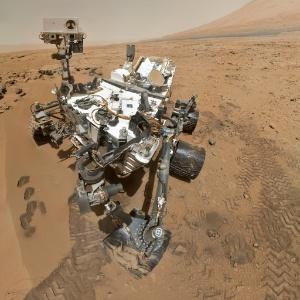 Nasa encontra evidências de podem existir 'salmouras' na superfície de Marte