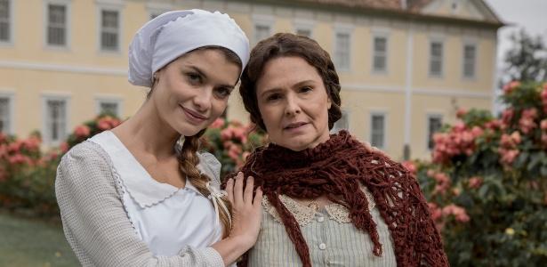 "Alinne Moraes e Louise Cardoso nos bastidores de ""Além do Tempo"""