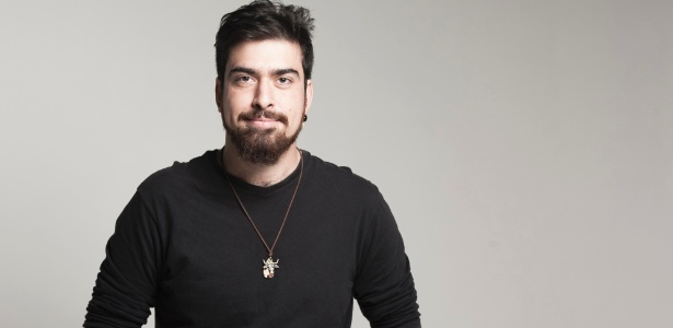 O ator, diretor e dramaturgo Gabriel Estrëla