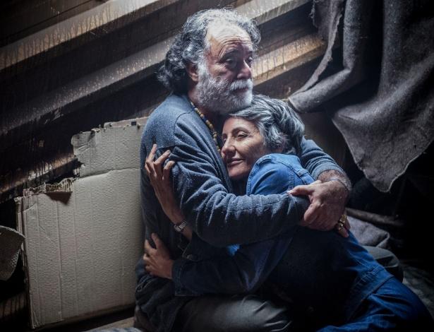 """Zé Maria (Tony Ramos) e Djanira (Cassia Kis Magro) em cena de """"A Regra do Jogo"""""""