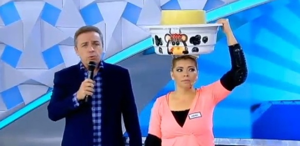 Gugu com Jailma, personagem de matéria do programa de João Kleber, da RedeTV!