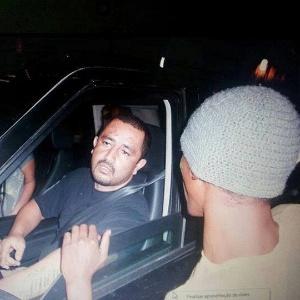 O empresário Alexsandro Ishisato Azevedo momentos antes de atropelar jovens que protestavam em avenida de Ribeirão Preto (SP)
