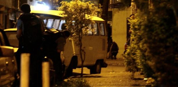 Policiamento é reforçado na favela de Manguinhos após o comandante da UPP, Gabriel Toledo, ser baleado