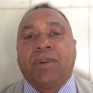 Tiririca tira o bigode para evitar ser confundido com Waldir Maranhão