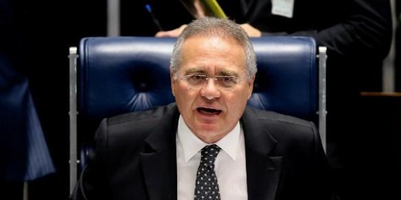 O presidente do Senado, Renan Calheiros (PMDB-AL), comanda sessão