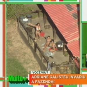 Nicole Bahls, Penélope Nova e Robertha Portella acenam para helicóptero de Adriane Galisteu (9/7/12)