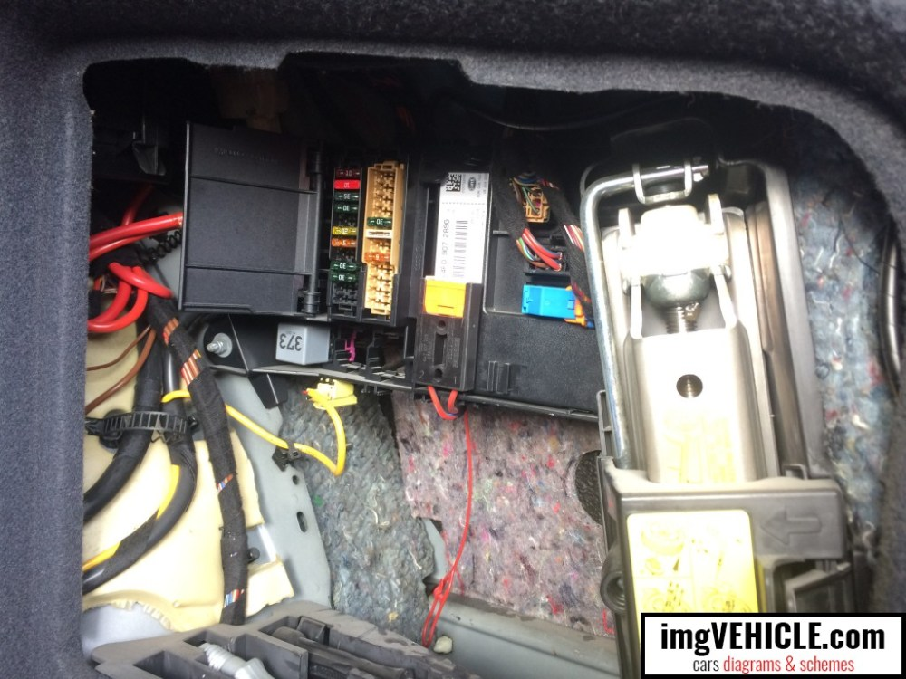 medium resolution of audi a6 c6 fuse box trunk location