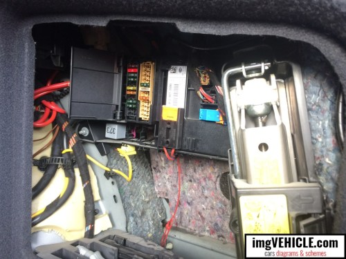 small resolution of audi a6 c6 fuse box trunk location