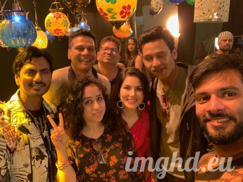Nawazuddin Siddiqui with Sunny Leone and team