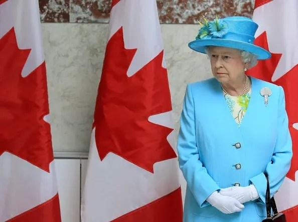Rainha Elizabeth visita o Canadá e os canadense; Cidadania;