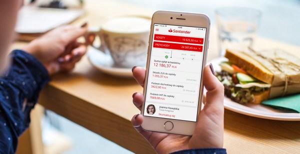 smartfon z aplikacją banku Santander