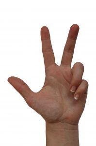 Numerologiczne Trójki to osoby pewne siebie i pełne wiary we własne możliwości.