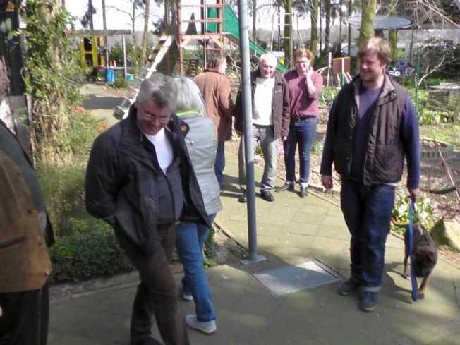 Besucher bei Gülkers Flohmarkt