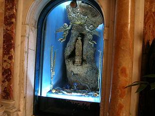 Foto da https://commons.wikimedia.org/wiki/File:Santuario_della_Madonna_del_Frassino_6.jpg