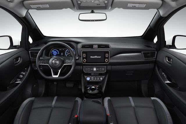 Foto  Partenza sprint per la Nissan Leaf e 3ZERO Limited Edition