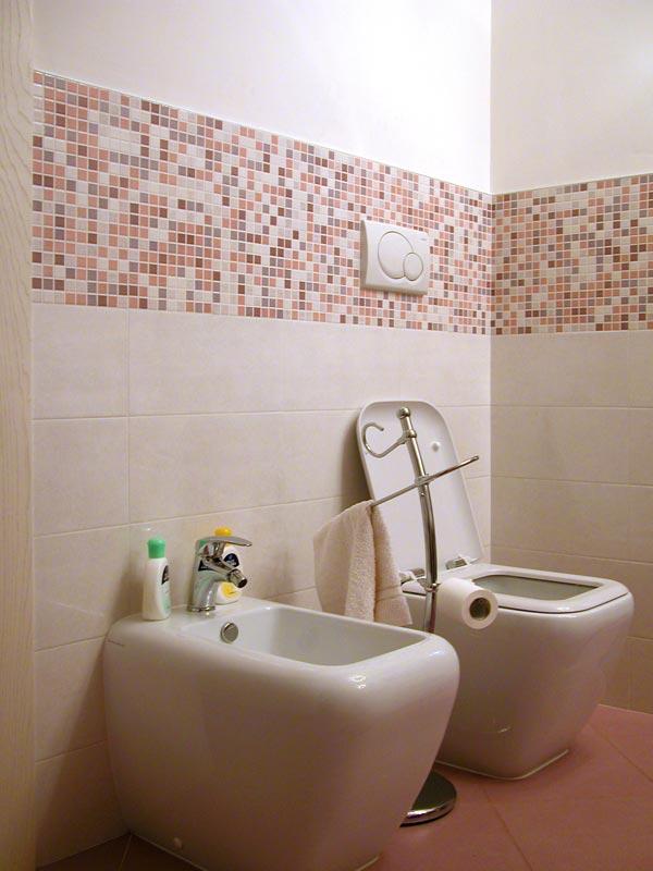 Relativamente Rivestimento Bagno Con Mosaico LA11  Pineglen