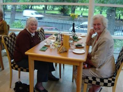 01 Marion and Maureen '50 at breakfast in Alicia.