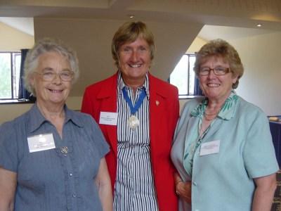 018 Barbara (President APS) with Julie & Pat (Vice-Presidents)