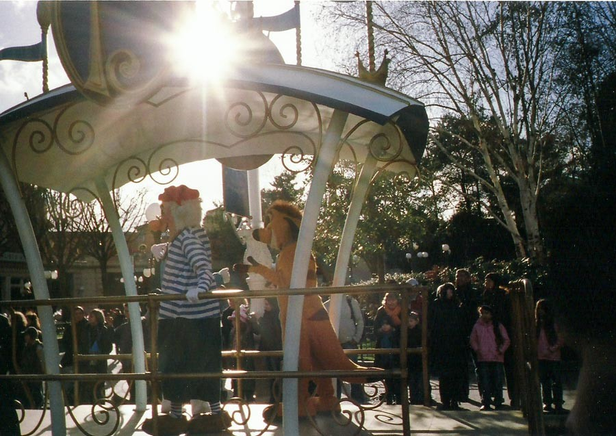 Themenparks - Disneyheldenparade im Disneyland Paris