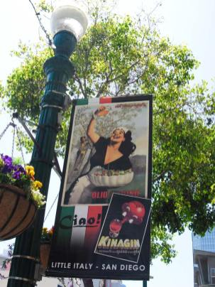 San Diego Highlights - Little Italy Schild