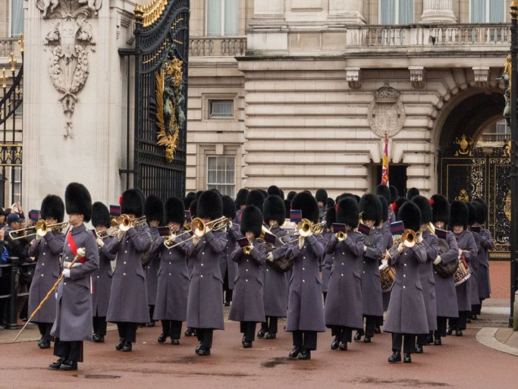 Militärorchester am Buckingham Palace