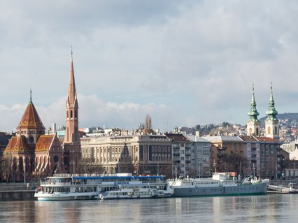 Ausblick über das Buda Ufer