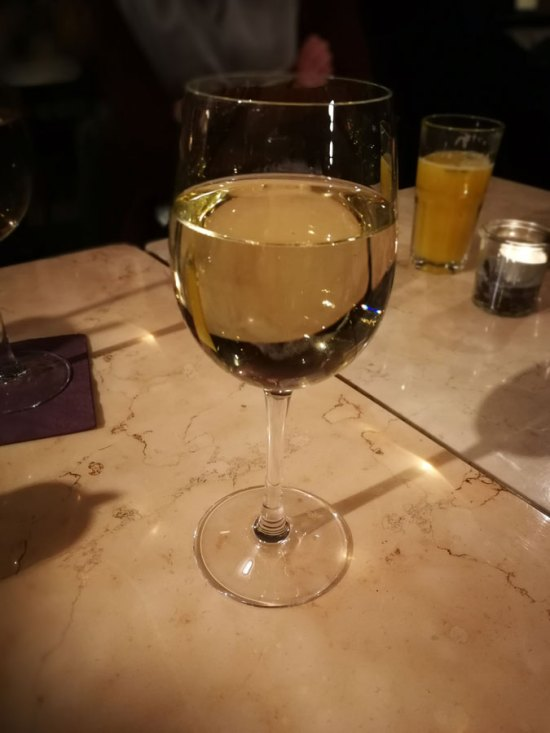 Wein im Café Mundlandung
