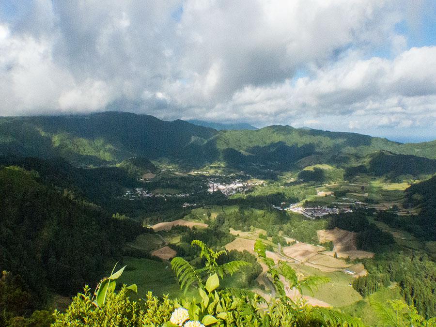 Sicht vom Pico do Ferro auf Furnas