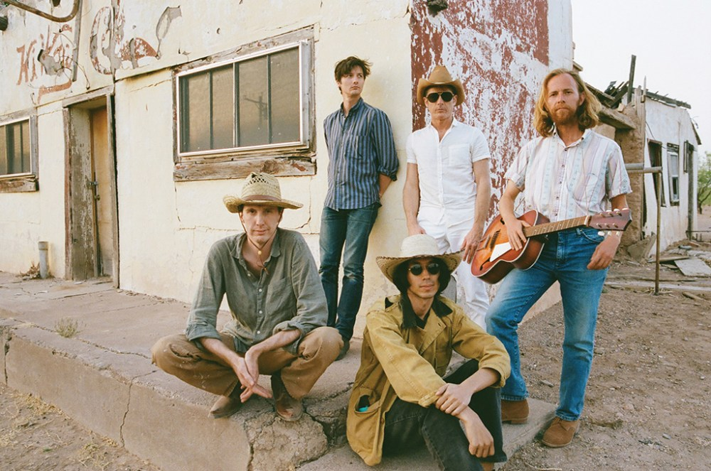 MUSIC-Deerhunter-4-Photo-Courtesy-of-Deerhunter-4AD.jpg