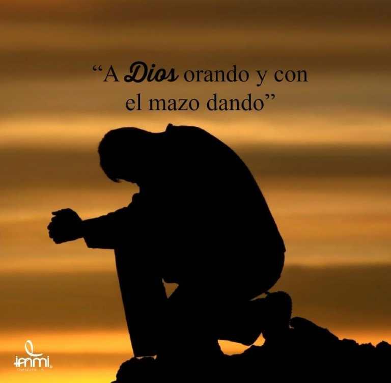 Lee más sobre el artículo A Dios orando y…